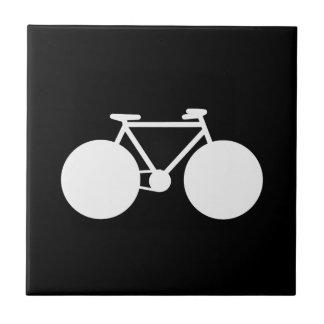 白い自転車のモダンなデザイン タイル