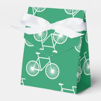 白い自転車、循環パターン; ケリーの緑 フェイバーボックス