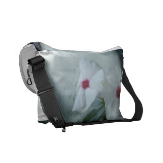 白い花の写真の人力車のメッセンジャーバッグ メッセンジャーバッグ