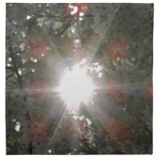 白い花を通した日光 ナプキンクロス