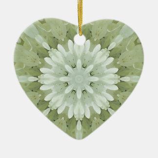 白い花柄の抽象芸術の婚約の結婚式の家の芸術 陶器製ハート型オーナメント
