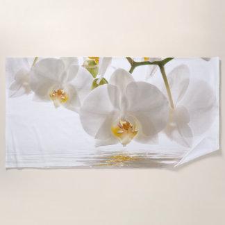 白い蘭のビーチタオル ビーチタオル