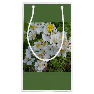 白い野生の花の花のテーマのギフトバッグ スモールペーパーバッグ