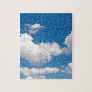 白い雲が付いている青空 ジグソーパズル