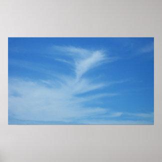 白い雲の抽象的な自然の写真が付いている青空 ポスター
