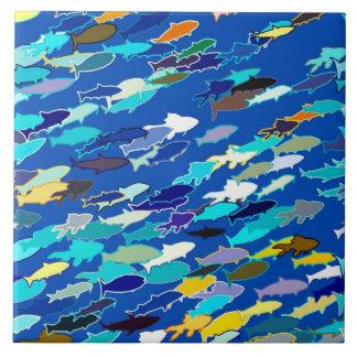 白い魚、濃紺ターコイズの学校 タイル