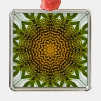 白いConeflowerの曼荼羅のイメージ3 メタルオーナメント