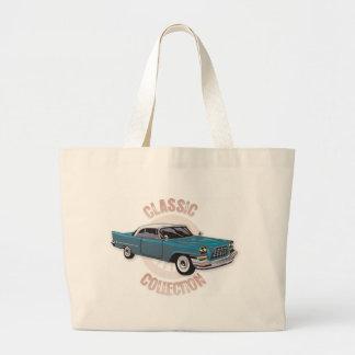 白いhardtopの屋根が付いている古く青いヴィンテージ車 ラージトートバッグ
