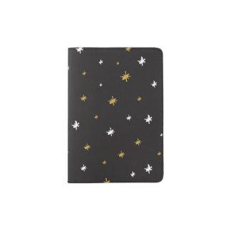 白および金ゴールドの手描きの星パターン パスポートカバー