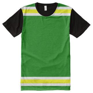 白くおよび黄色のトリムとの緑 オールオーバープリントT シャツ