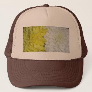白くおよび黄色の菊 キャップ