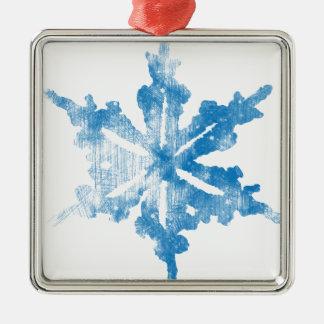 白く霜の降りたな雪片のデザインの青 メタルオーナメント