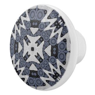 白く青い波状の抽象芸術 セラミックノブ