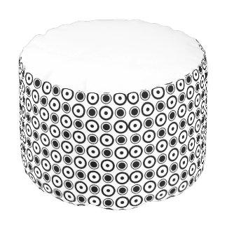 白く黒くスタイリッシュな水玉模様の白の背景 プーフ