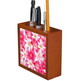 白く、ピンクのハイビスカスの花柄 ペンスタンド