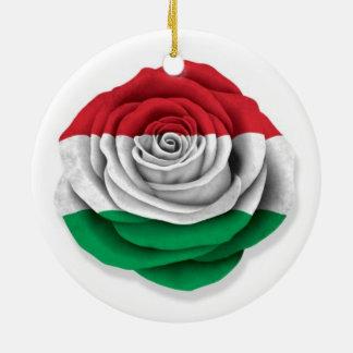 白のハンガリー人のばら色の旗 セラミックオーナメント