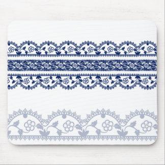 白の複雑なロイヤルブルーのレース マウスパッド