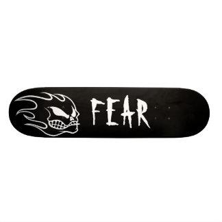 白の黒い恐れのスケートボードのデッキ スケボー