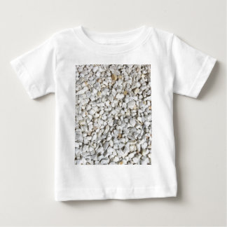 白はベビーのTシャツに投石します ベビーTシャツ