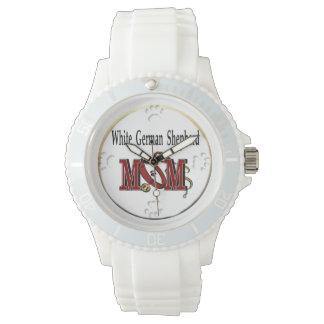 白人のジャーマン・シェパードのお母さん 腕時計