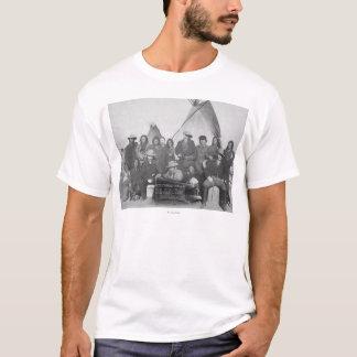白人(を含むバッファロービル)およびLakota 2 Tシャツ