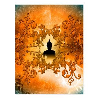 白熱[赤熱]光を放つで神秘的なライトとの日没の仏 ポストカード