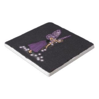白熱[赤熱]光を放つな星によってはかわいらしい紫色の妖精の女の子が開花します トリベット