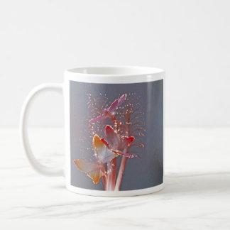 白熱[赤熱]光を放つな繊維光学の蝶 コーヒーマグカップ