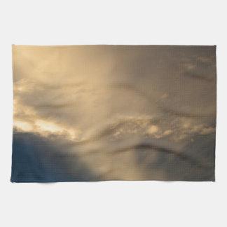 白熱[赤熱]光を放つな雲 キッチンタオル