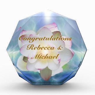 白蓮教の花の結婚式のお祝い 表彰盾