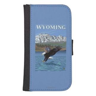 白頭鷲のダイビング-ワイオミング