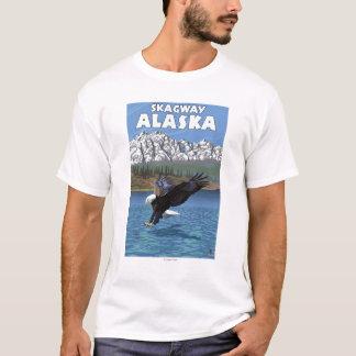 白頭鷲のダイビング- Skagway、アラスカ Tシャツ