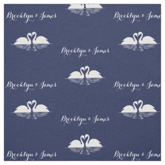 白鳥が付いている名前入りな濃紺の結婚式の生地 ファブリック