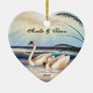 白鳥のカップル-愛-ハート形のオーナメント セラミックオーナメント