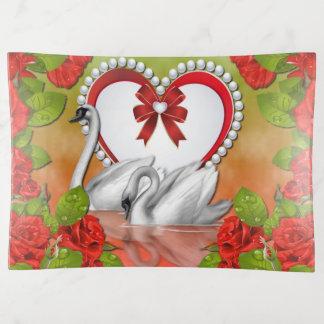 白鳥のバラおよび真珠のハートの装身具の皿 トリンケットトレー