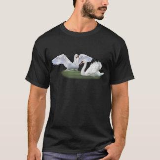 白鳥の求愛 Tシャツ