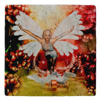 白鳥を持つすばらしい妖精 トリベット
