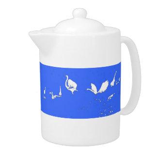 白鷺はティーポットのシルエットを描きます