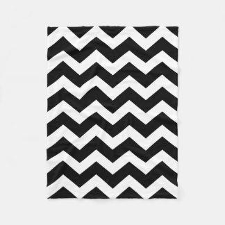 白黒のシェブロンモダンなパターン フリースブランケット