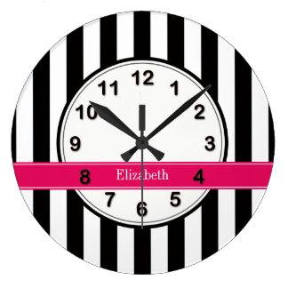 白黒のストライプなラズベリーのリボンの名前のモノグラム ラージ壁時計