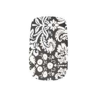 白黒のダマスク織のネイルのカバー ネイルアート