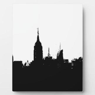 白黒のニューヨークのスカイラインのシルエットのプラク フォトプラーク