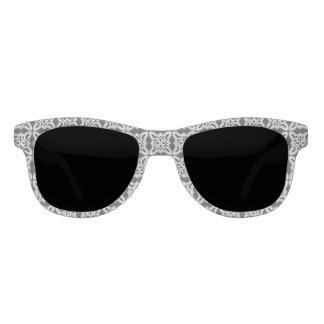 白黒のバロック式のデザインのサングラス サングラス