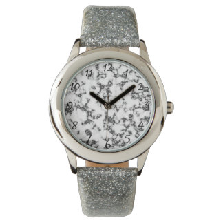 白黒の大理石の背景 腕時計