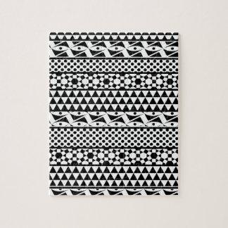 白黒の幾何学的でアステカな種族のプリントパターン ジグソーパズル