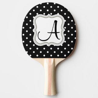 白黒の水玉模様のモノグラムの上品のイニシャルの名前 卓球ラケット