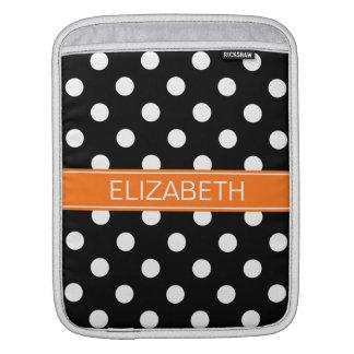 白黒の水玉模様#2のカボチャ名前のモノグラム iPadスリーブ