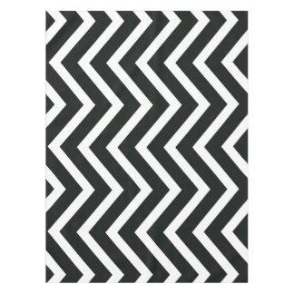 白黒の粋なシェブロンのテーブルクロス テーブルクロス