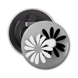 白黒の美しいヒマワリのポートレート 栓抜き