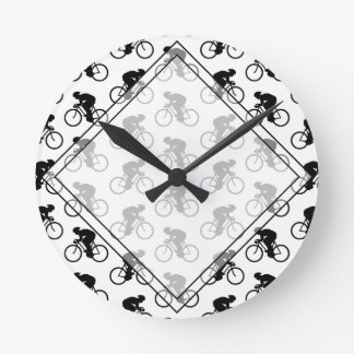 白黒の自転車パターン。 ラウンド壁時計